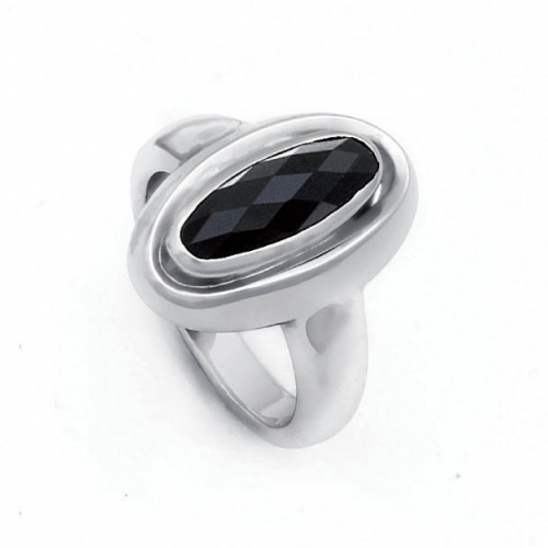 Design Ring mit facettierten Onyx