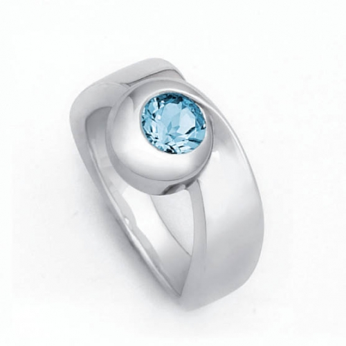 Design Ring mit 6 mm facettierten Blautopas